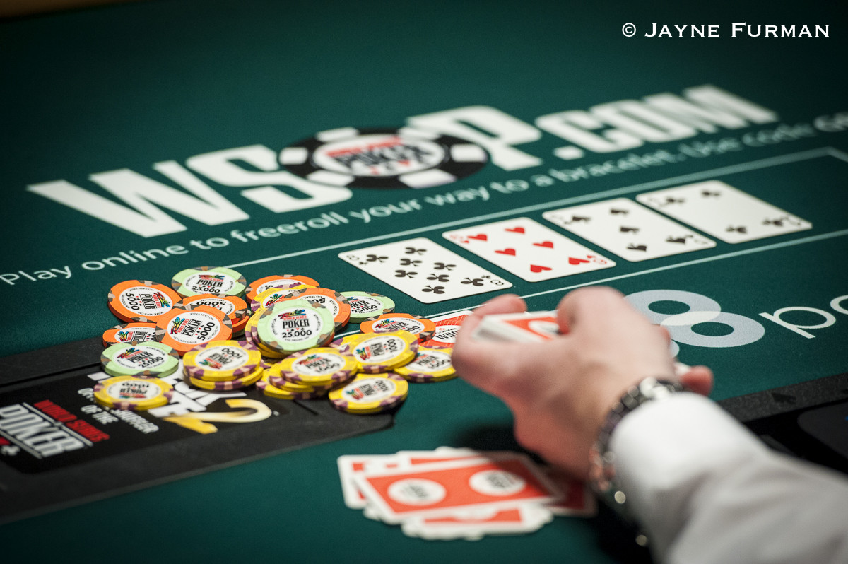 The Many Advantages of Choosing Online Casino